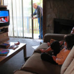 is it good or bad for kids to watch TV, Advantages vs disadvantages of watching TV for Kids