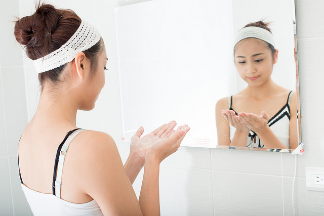 Remove Acne Marks With Home made Face Packs