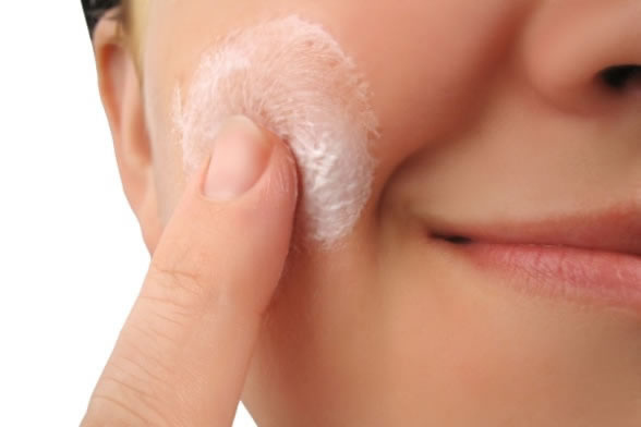 How To Prevent And Treat Acne Pimples In Summers