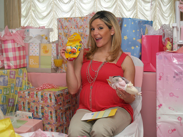 18 Amazing Gift Ideas for Pregnant Daughter-Valentines Gift