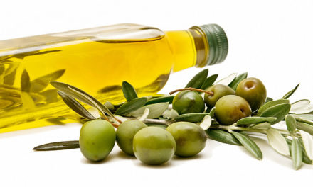 Does Olive Oil Get Rid of Dandruff Quickly?