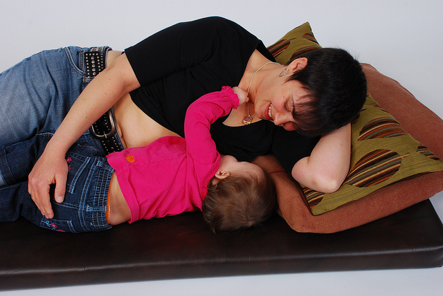 How to Control Breast Size While Breastfeeding